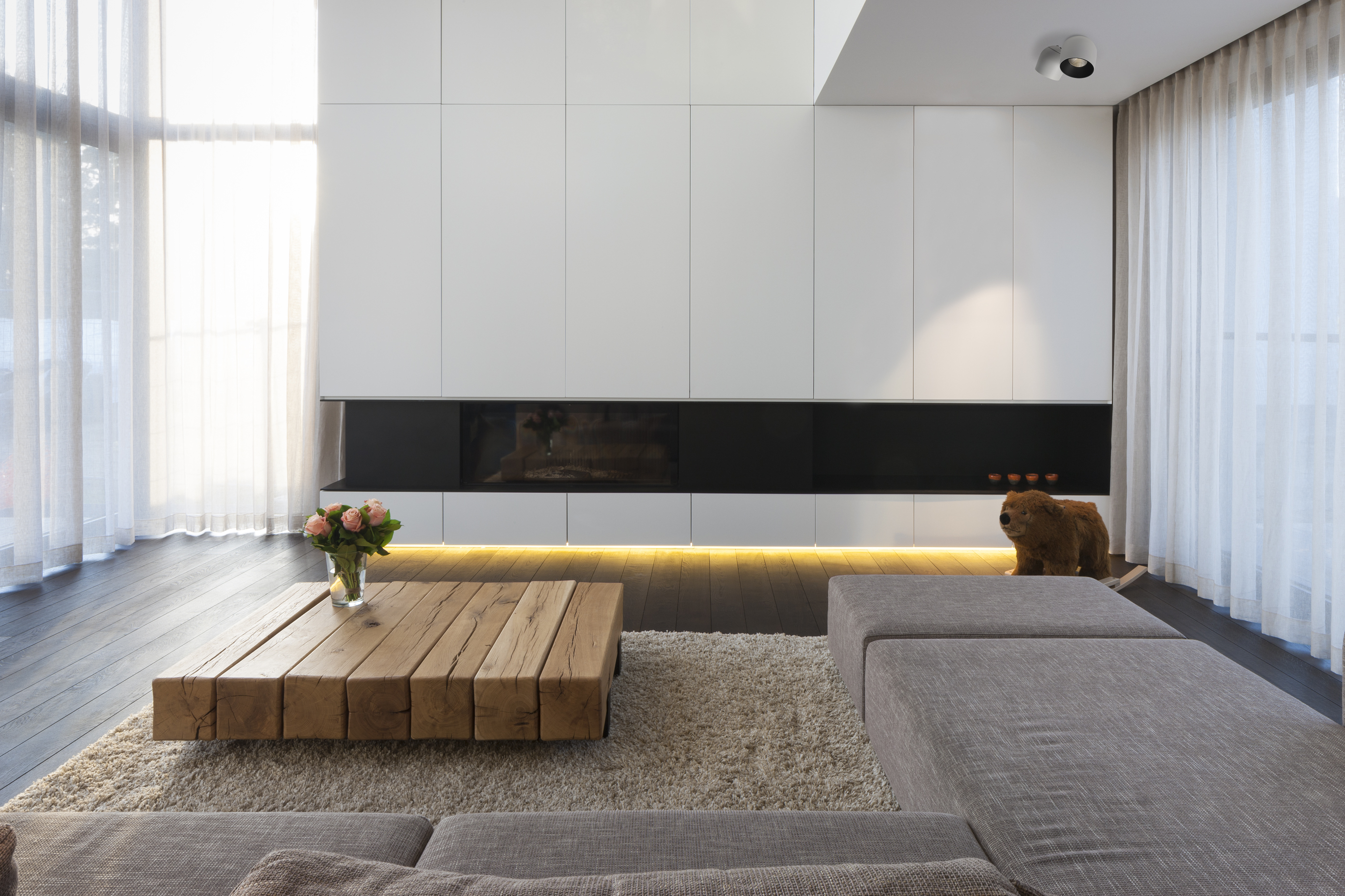 The residence woning de wa is a geometrically and clean minimal building combining modern and warm elements the noddle semi recessed fixture shows an
